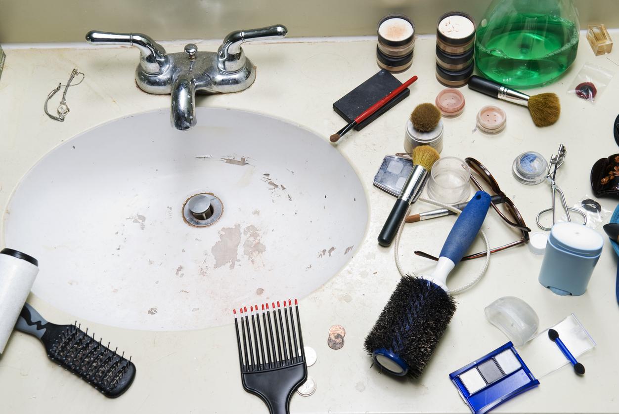 30 signalen dat er een puber in de badkamer is geweest tis hier geen hotel - Wasgoed in de badkamer ...