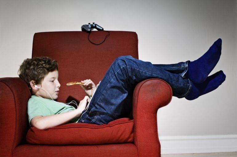 23 tekenen dat je puber aardig in zijn vakantieritme komt