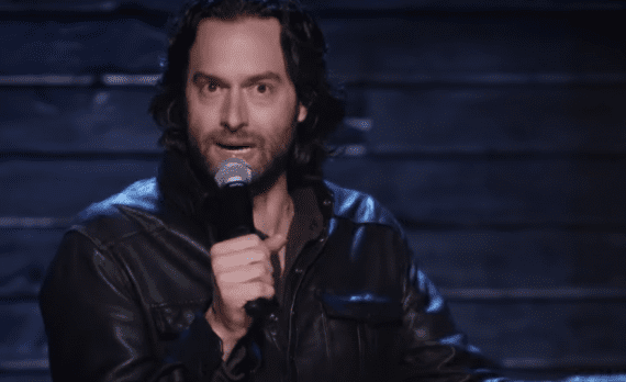 Comedian Chris D'Elia's geweldige impressie van dronken meisjes