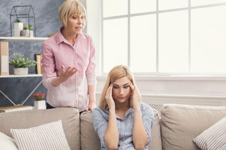Wil je een succesvolle dochter hebben, dat moet je als moeder veel zeuren
