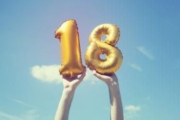 De dag dat pubers 18 worden, moeten ze ineens alles zelf doen. Huh?