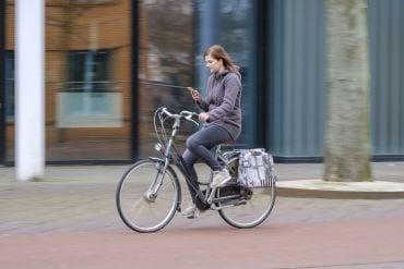 Goed voor pubers om te weten: op de fiets kun je deze boetes krijgen
