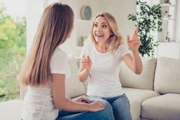 25 dingen de pubers zeggen en jou het gevoel geven dat jij de puber in huis bent
