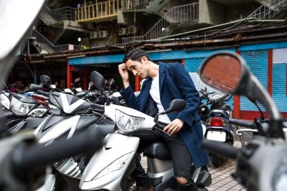 Pubers verkopen hun scooter om helmplicht: liever een goed kapsel
