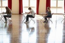 11 manieren om je puber die eindexamenperiode door te slepen