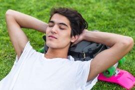 Eindexamens zijn eigenlijk een hinderlijke onderbreking van een eindeloze zomervakantie