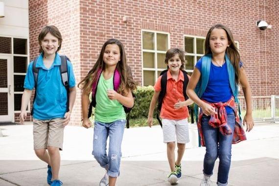 30 reden waarom we blij zijn dat pubers geen Avondvierdaagse meer lopen